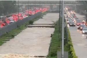"""新加坡!雨҉雨҉雨҉雨҉雨҉雨҉41年最大雨量邀你看""""黄河"""""""