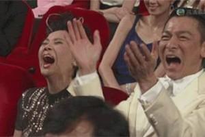 """新加坡户外有多少丢弃的废旧口罩?""""跟着我""""走红小坡"""