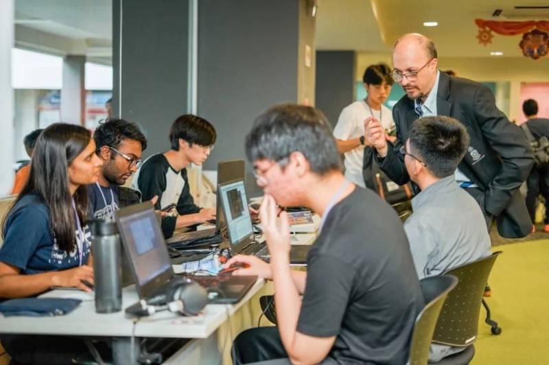 三大巨头汇聚新加坡,如何抓住新一波互联网就业机遇