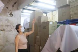 豪雨致店屋漏水 9万货物淋湿 生意受影响