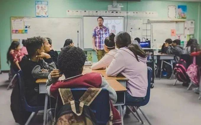 """新加坡81人登上""""被高度引用科学家名单""""!共和理工学院博士揭秘新加坡如何培养科技人才"""