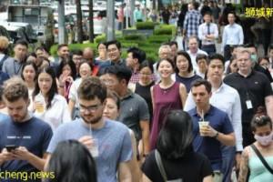 """新加坡政府制定""""三大策略""""提高民众收入,外籍员工每月收入不得低于1400新元"""