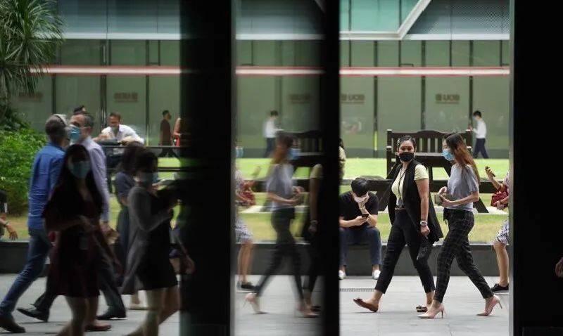 新加坡人力部发布报告:今年上半年就业人数锐减近13万,精密工业成亮点