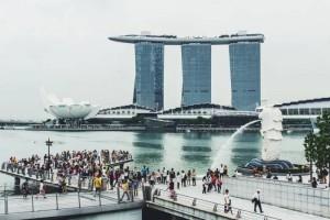 10年来首次负增长!新加坡总人口下滑0.3%,外籍工作者减少是主因