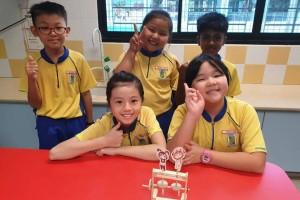 实拍新加坡小四学生的课程安排