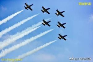 新加坡暗地里站队美国?解放军16架运输机远洋训练,直接震慑