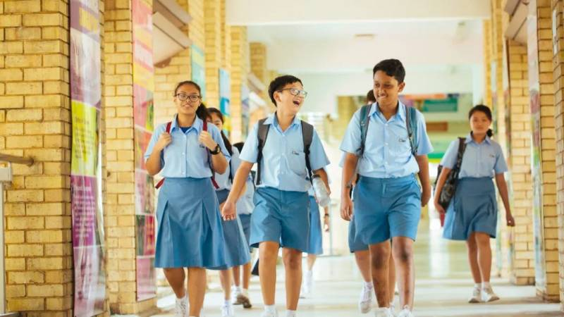 """新加坡""""小升初"""" PSLE考试成绩周三公布"""