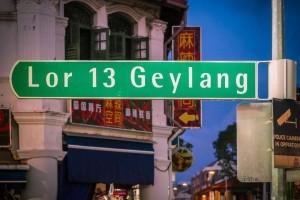 狂浪席卷新加坡!小岛纹丝不动,见怪不怪了
