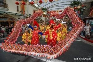 新加坡圣淘沙名胜世界将上演两场精彩绝伦的舞龙表演,喜迎鼠年