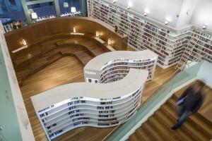 公共图书馆10月20日起恢复更多服务,阅读空间开放,奥登剧场观影人数增加