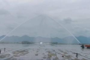 """""""3.8""""女王节!中国重庆直飞新加坡,首航飞机接受航空最高礼仪"""