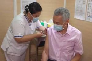 李显龙接种第2剂新冠肺炎疫苗