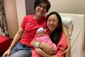 """新加坡55岁生日迎来两个""""国庆宝宝""""意义非凡"""