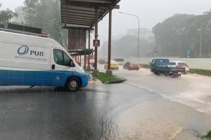 我国昨日长时间暴雨 多条水渠水位已超90%