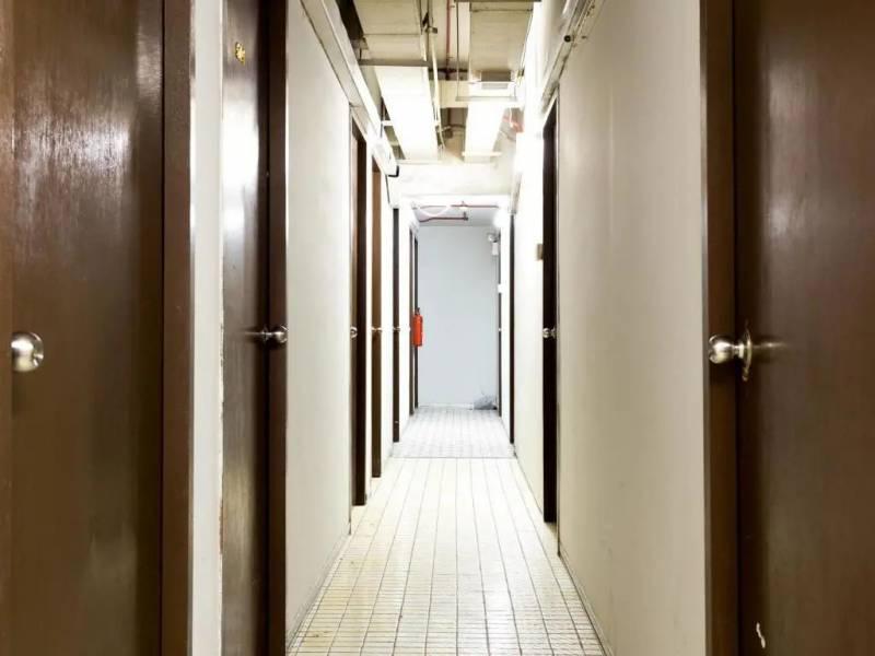 本地一家背包旅社竟允许超过260名客人休闲住宿,勒令停业30天