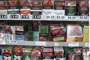 """新加坡警察""""钓鱼执法""""?网上卖烟被抓,搜查抓捕现场曝光"""